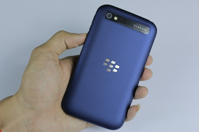 BlackBerry-Classic-Q20-5