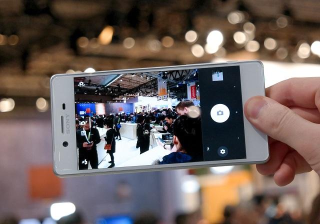Sony Xperia X Performance SOV33- cam truoc