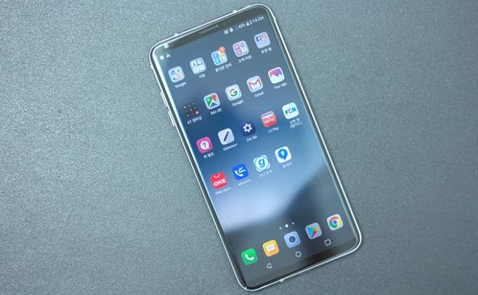 Không những có ngoại hình đẹp hơn LG G6 mà còn sở hữu nội lực vượt trội hơn nhiều.